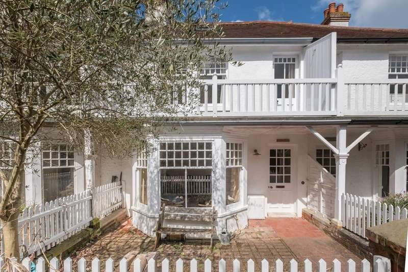 5 Bedrooms Terraced House for sale in Seagrove Bay, Isle Of Wight
