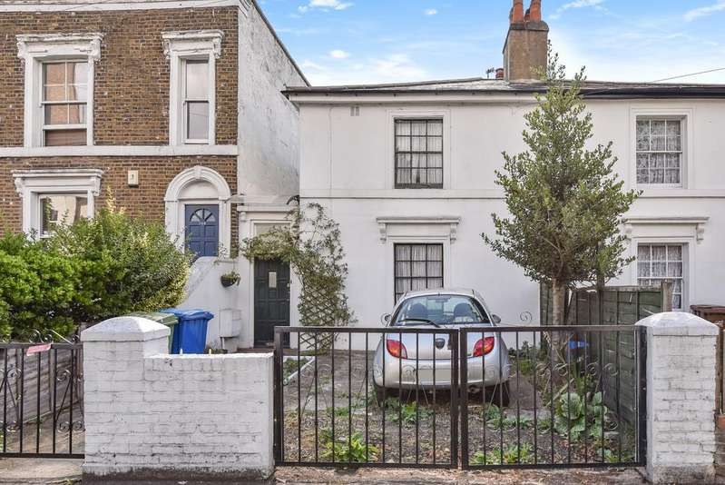 3 Bedrooms Semi Detached House for sale in Commercial Way London SE15