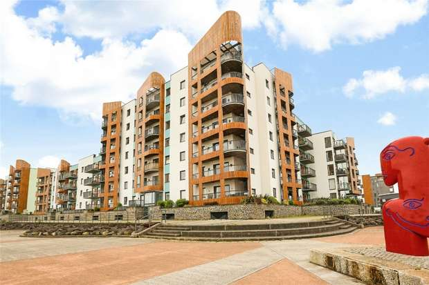 1 Bedroom Flat for sale in Newfoundland Way, Portishead, Bristol