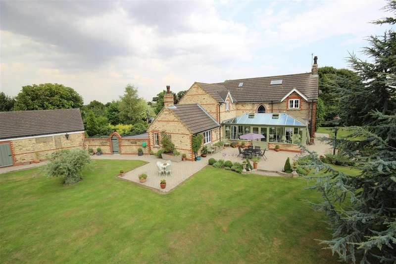 5 Bedrooms Detached House for sale in Green Oak Lane, Eastrington
