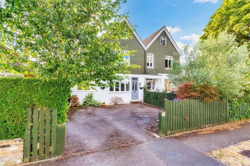 4 Bedrooms Semi Detached House for sale in Montagu Road, Datchet, Berkshire