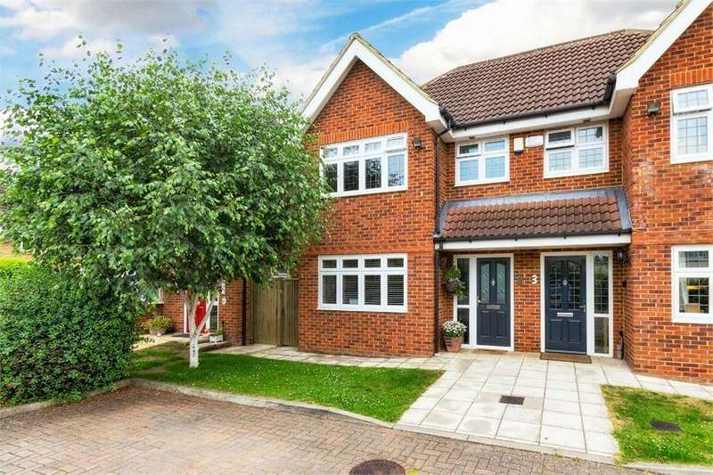 4 Bedrooms Semi Detached House for sale in Mallard Close, Burnham, Buckinghamshire