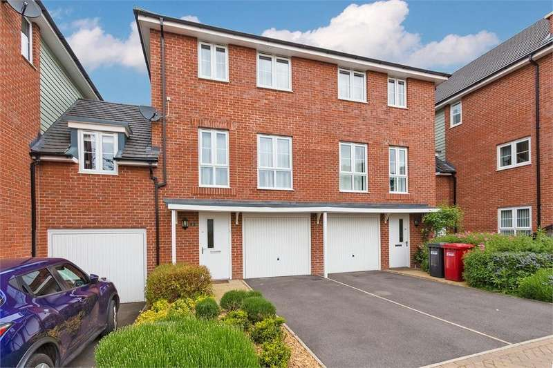4 Bedrooms End Of Terrace House for sale in Wyeth Close, Taplow, Berkshire
