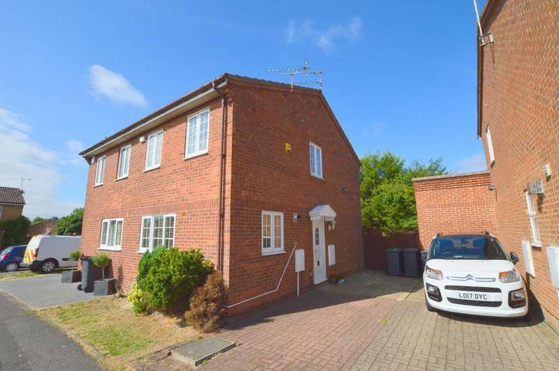 3 Bedrooms Semi Detached House for sale in Tanfield Green, Wigmore, Luton, LU2 9UE