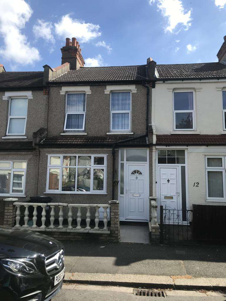 3 Bedrooms Terraced House for sale in NORBURY LONDON SW16