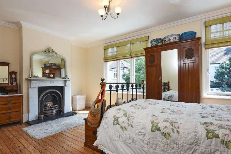 4 Bedrooms Terraced House for sale in Boyne Road, Lewisham