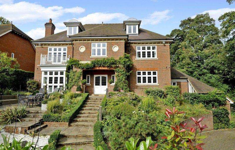 6 Bedrooms Detached House for sale in Northdown Lane, Guildford