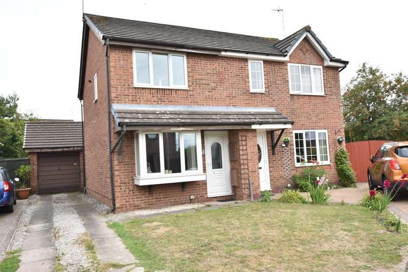 2 Bedrooms Semi Detached House for sale in Kirkwood Close, Vicars Cross