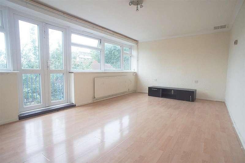 3 Bedrooms Maisonette Flat for sale in Bounces Road, London