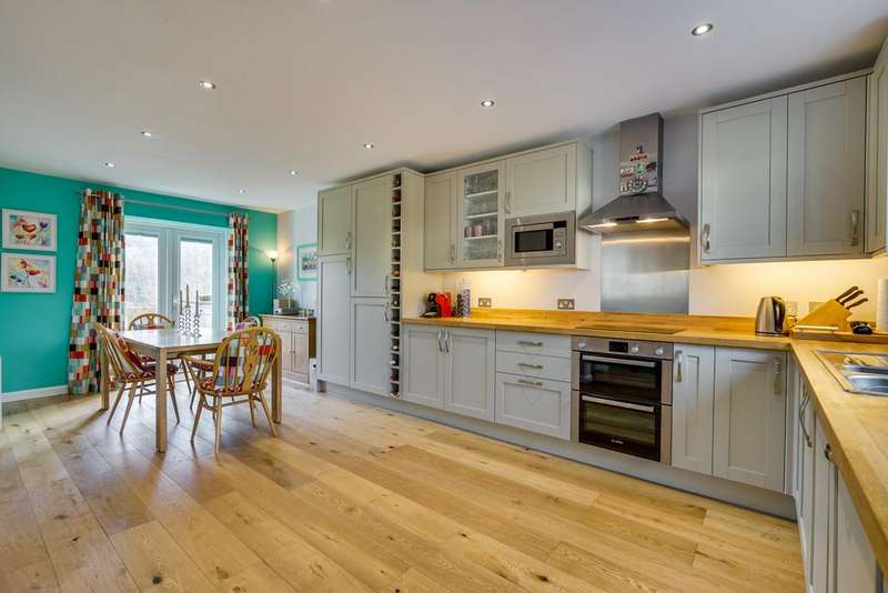 3 Bedrooms Cottage House for sale in 2 Wilkinson View, Backbarrow, Cumbria, LA12 8RE