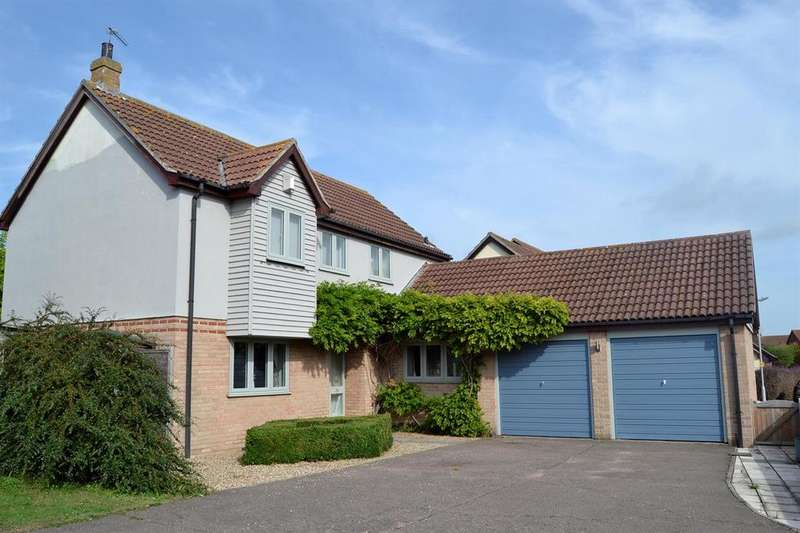 4 Bedrooms Detached House for sale in Greenfinch End, Colchester, CO4 3FG