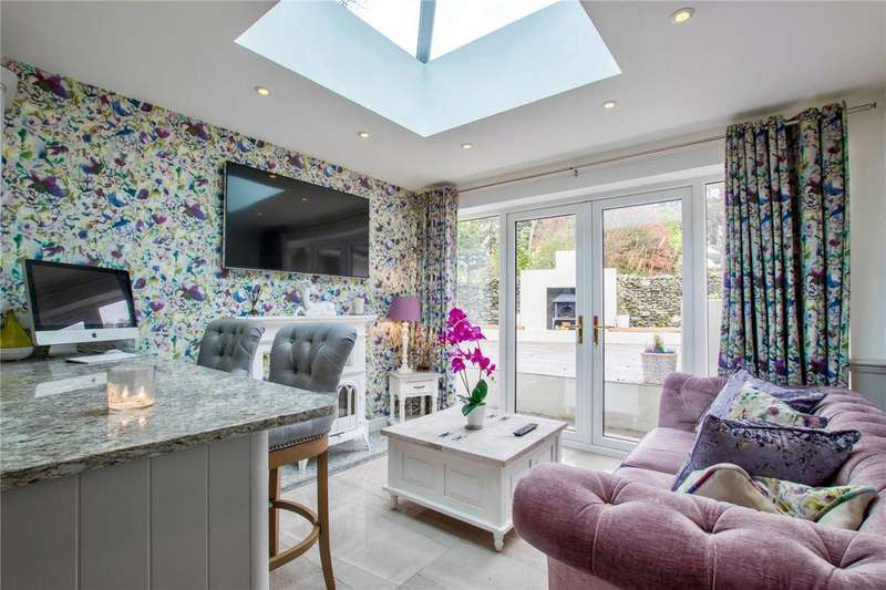 5 Bedrooms Detached House for sale in Plantation Bridge, South Lakeland, Cumbria