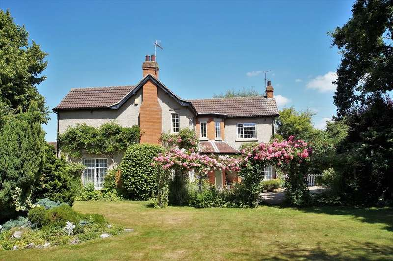 4 Bedrooms Detached House for sale in Langley Road, North Hykeham
