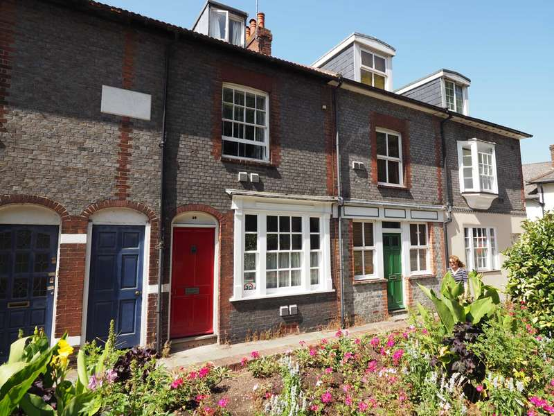 2 Bedrooms Terraced House for sale in Malling Street, Lewes
