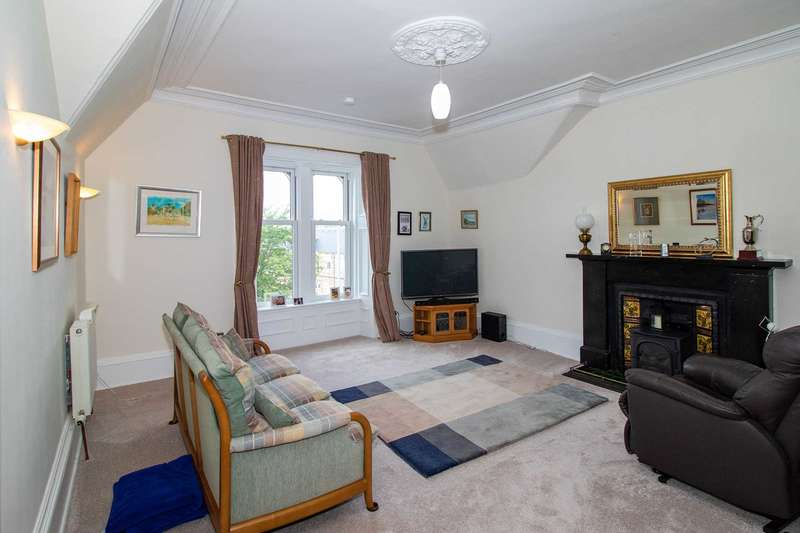 3 Bedrooms Apartment Flat for sale in Moss Road, Kilmacolm