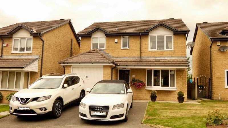 4 Bedrooms Detached House for sale in Puffingate Close, Stalybridge, Greater Manchester, SK15
