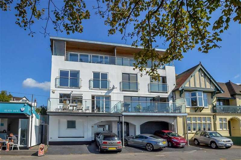 4 Bedrooms End Of Terrace House for sale in Chalkwell Esplanade, Westcliff On Sea, Essex