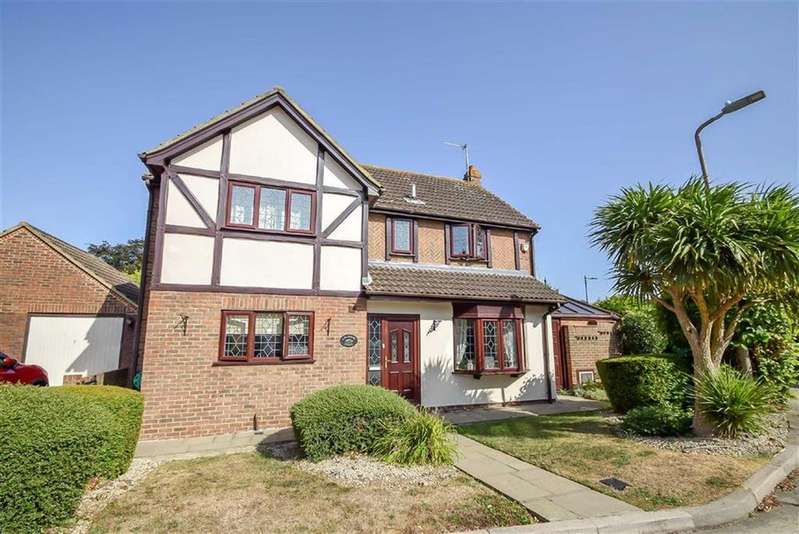 4 Bedrooms Detached House for sale in Badgers Close, Westcliff-on-sea, Essex