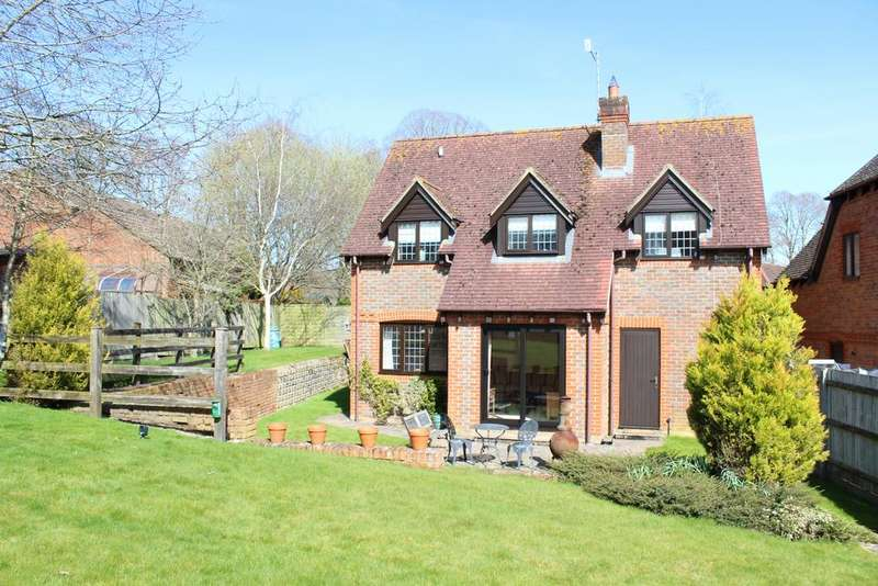 4 Bedrooms Detached House for sale in Flintjack Place, Lambourn RG17