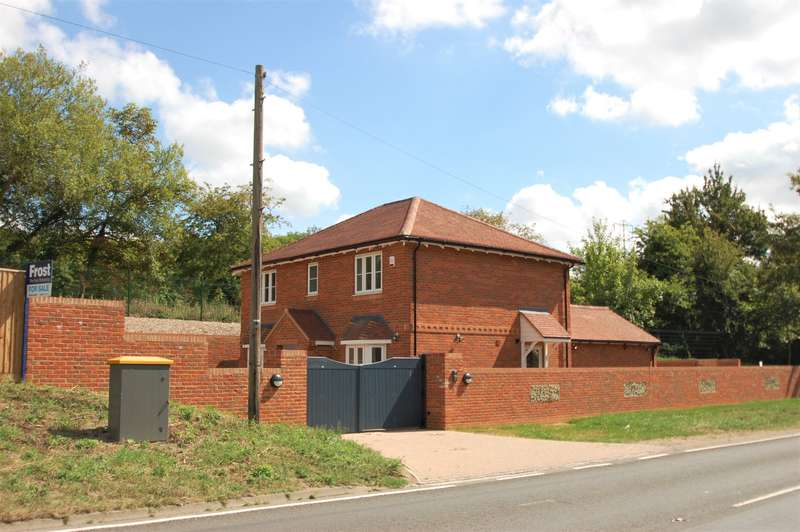 4 Bedrooms Detached House for sale in Amersham Road, Chalfont St Giles, HP8