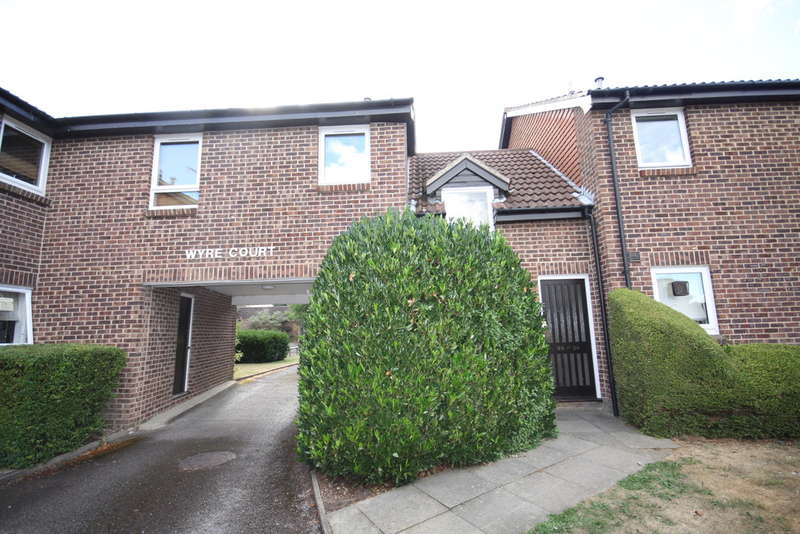 1 Bedroom Flat for sale in Wyre Court, Tilehurst