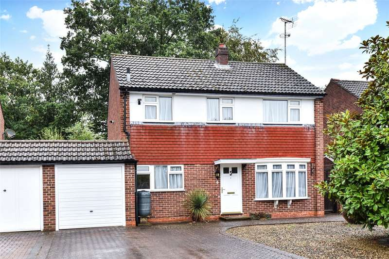 3 Bedrooms Link Detached House for sale in Nightingale Gardens, Sandhurst, Berkshire, GU47