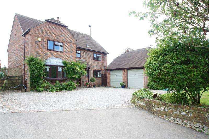 4 Bedrooms Detached House for sale in Upham