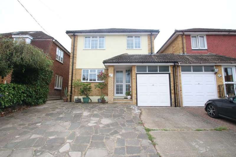 4 Bedrooms Detached House for sale in Creek View Avenue, Hullbridge