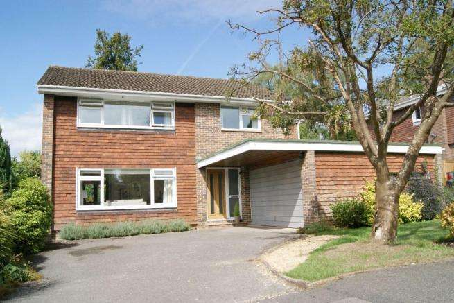 4 Bedrooms Detached House for sale in Thornbury Wood, Hiltingbury, Chandlers Ford, Eastleigh, Hampshire