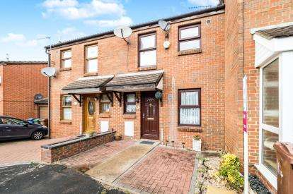 3 Bedrooms Terraced House for sale in Purfleet, Essex