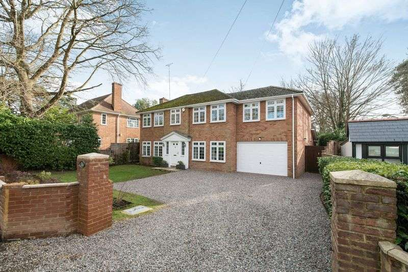 5 Bedrooms Property for sale in Dukes Ride, Crowthorne RG45