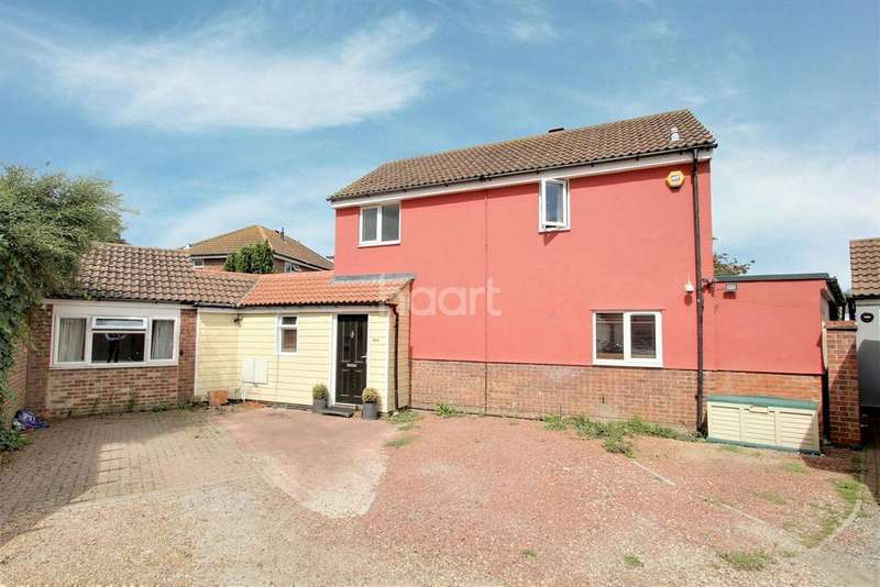 4 Bedrooms Detached House for sale in Berechurch Hall Road, Colchester