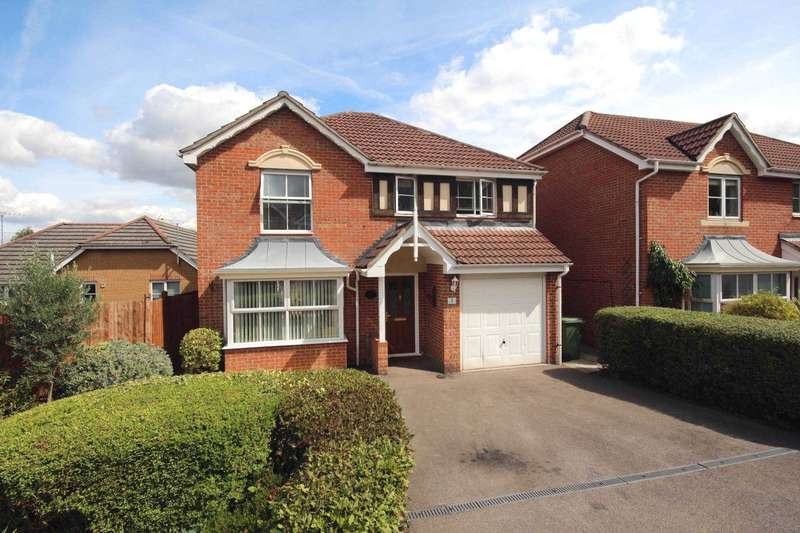 4 Bedrooms Detached House for sale in Newman Crescent, Bracknell