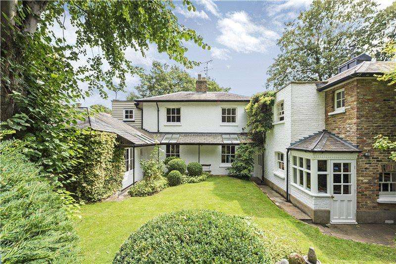 4 Bedrooms House for sale in Kennel Lodge, London, SW15