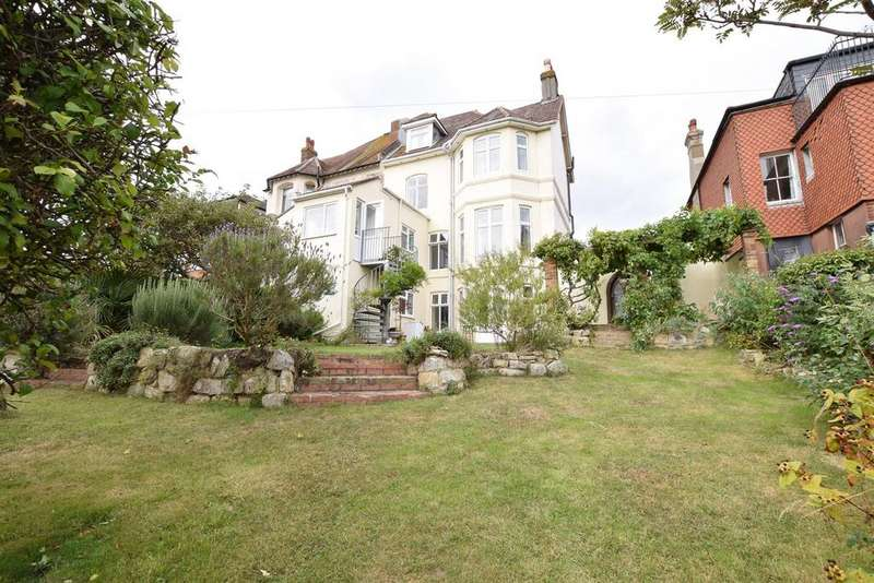 6 Bedrooms Semi Detached House for sale in Mount Pleasant Road, Hastings