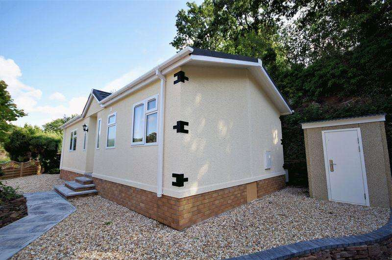 2 Bedrooms Detached House for sale in Cleeve Wood Park, Cleeve Wood Road, Downend, Bristol