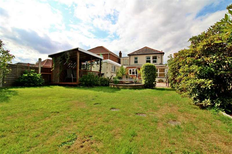 4 Bedrooms Detached House for sale in Kinson Road, Bournemouth