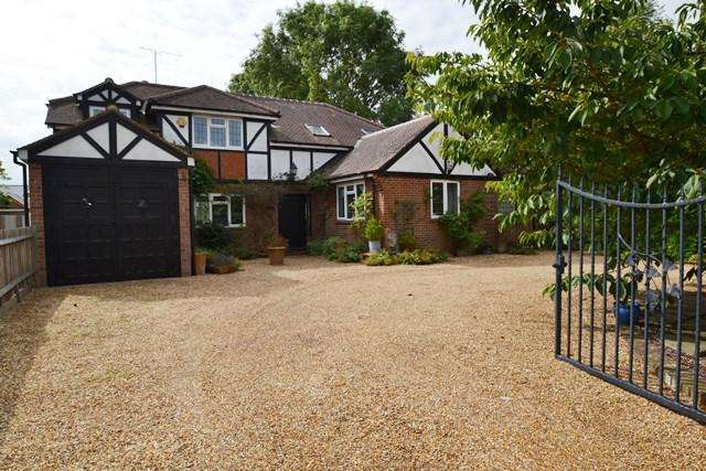 6 Bedrooms Detached House for sale in Ferring Lane, Ferring, West Sussex, BN12 6QT