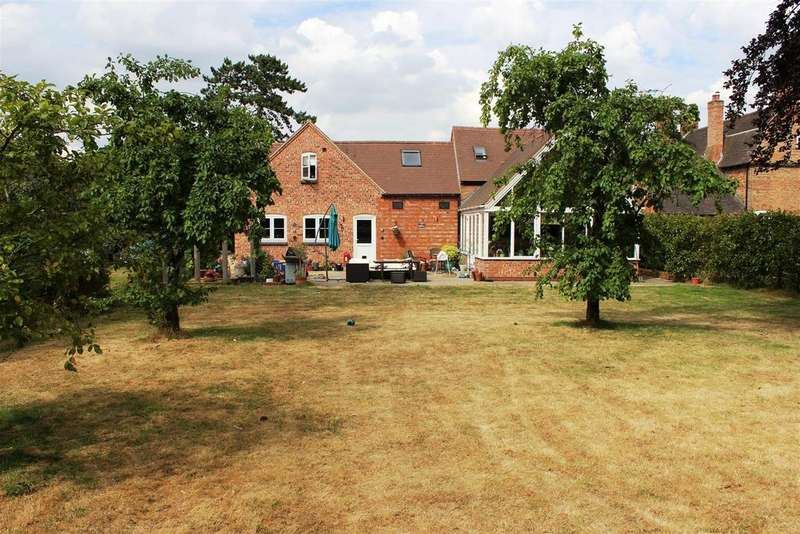 3 Bedrooms Detached House for sale in Toft Lane, Dunchurch, Rugby