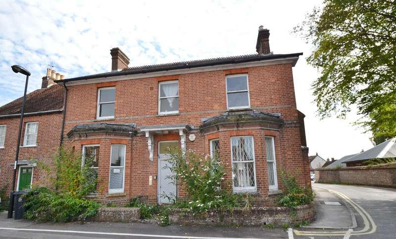 4 Bedrooms House for sale in Blandford Town Centre