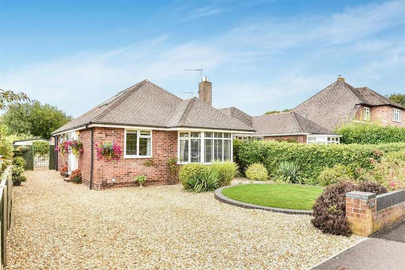 3 Bedrooms Detached House for sale in Woodfield Drive, Winchester, Hampshire, SO22