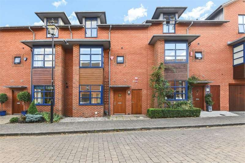 3 Bedrooms Terraced House for sale in Silchester Place, Winchester, Hampshire, SO23