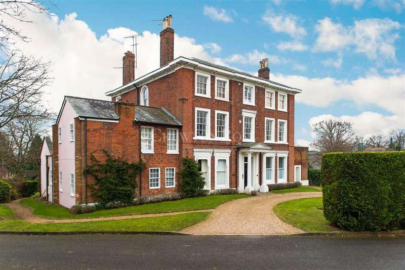 3 Bedrooms Flat for sale in Bracknell