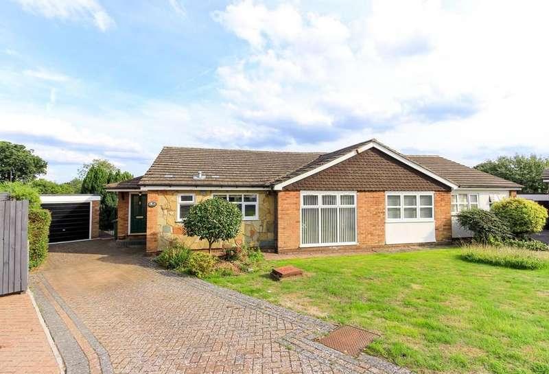 3 Bedrooms Semi Detached Bungalow for sale in Pollards Close, Goffs Oak