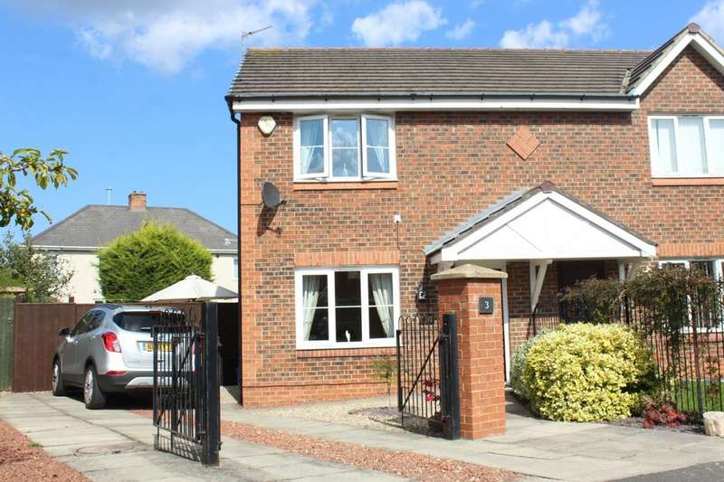 3 Bedrooms Semi Detached House for sale in Ladyfern Way, Norton, TS20