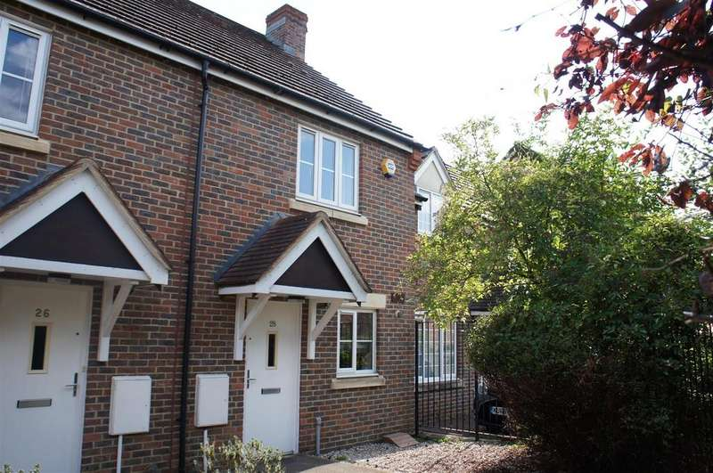 2 Bedrooms Terraced House for sale in Browning Close, Bromham, Bedford