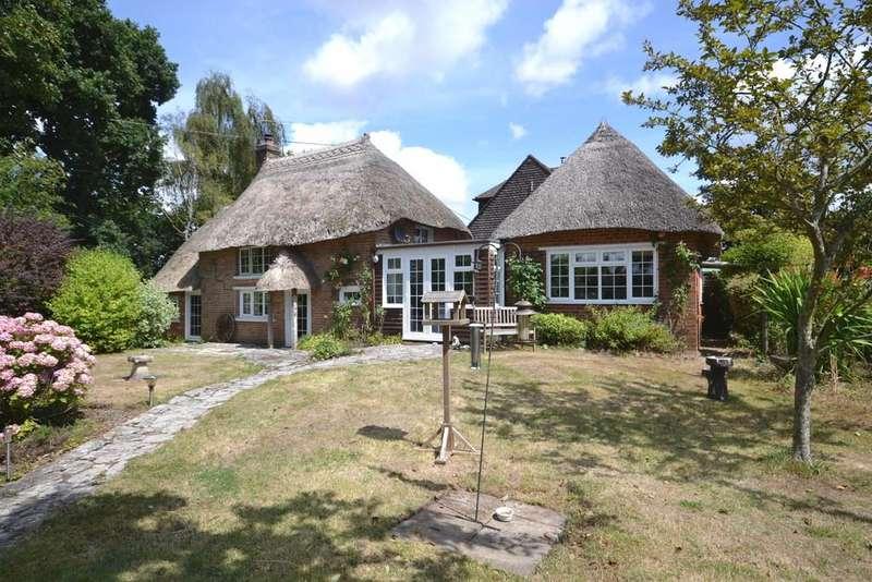3 Bedrooms Property for sale in Donkey Lane, Lane End, Bere Regis