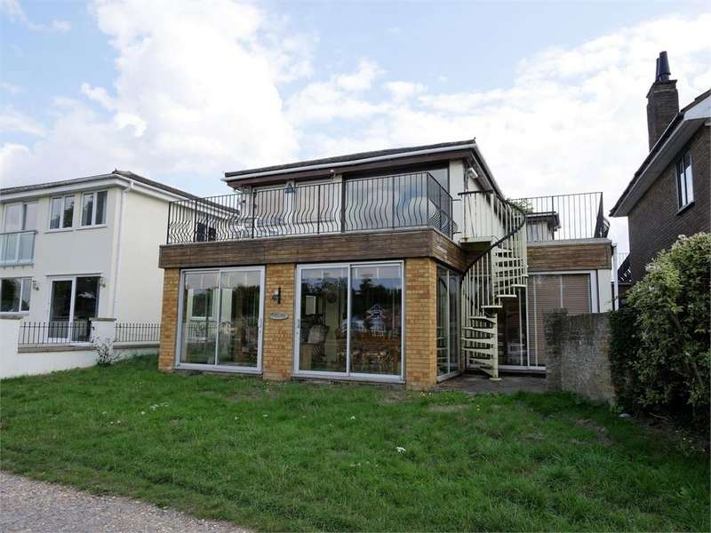 4 Bedrooms Detached House for sale in Thames Side, Laleham, STAINES-UPON-THAMES, Surrey