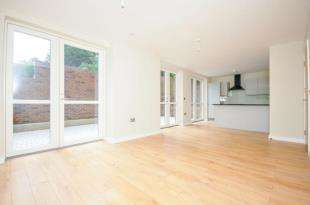3 Bedrooms Flat for sale in Zanara Court Sydenham Road, London