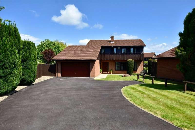 4 Bedrooms Detached House for sale in Hawthorn Way, Nailsea, Bristol, North Somerset